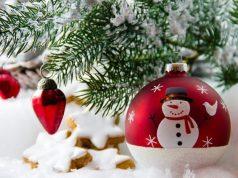 Bricolage, confection de guirlandes, déco de Noël