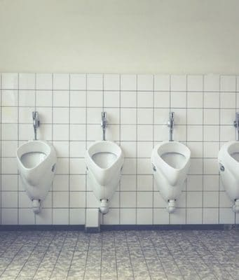 Bricolage, plombier, déboucher ses WC