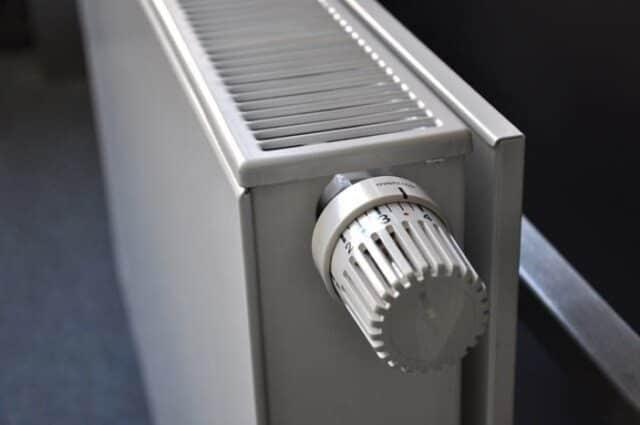Bricolage, système de chauffage, installation chauffage